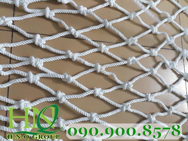 Đặc điểm và các loại lưới an toàn công trình